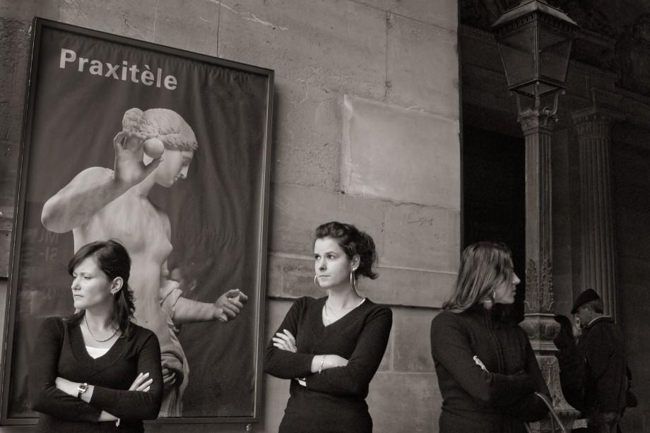 Outside Musée du Louvre